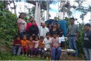 Wioska San Carlos - poświęcenie kapliczki i krzyża. Z Puerto Ocopa to dwie godziny jazdy.